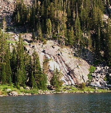 Pine_creek_waterfall_2_lake_3
